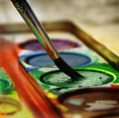 paint_box_with_brush